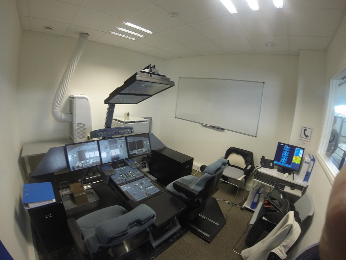 FSTD - Professional Flight Simulation Training Device for