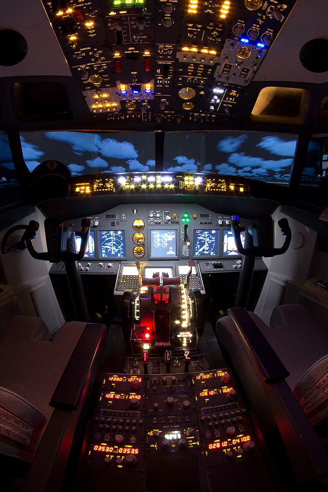 Boeing 737NG Cockpit
