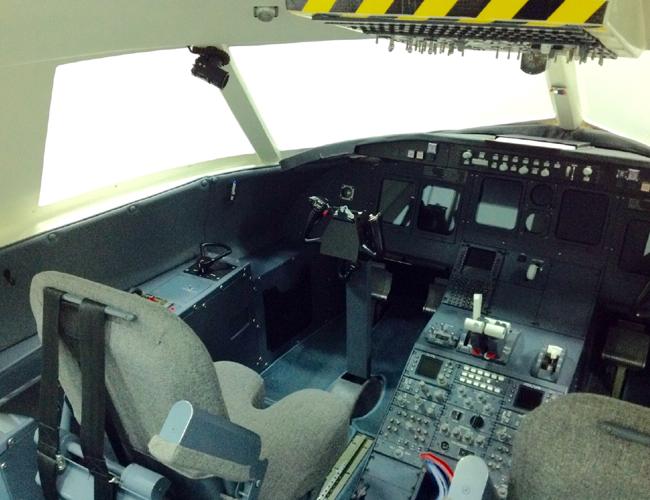 CRJ 200 Cockpit