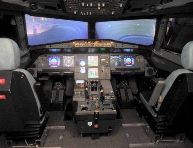 Original A320 Cockpit with collimated mirror