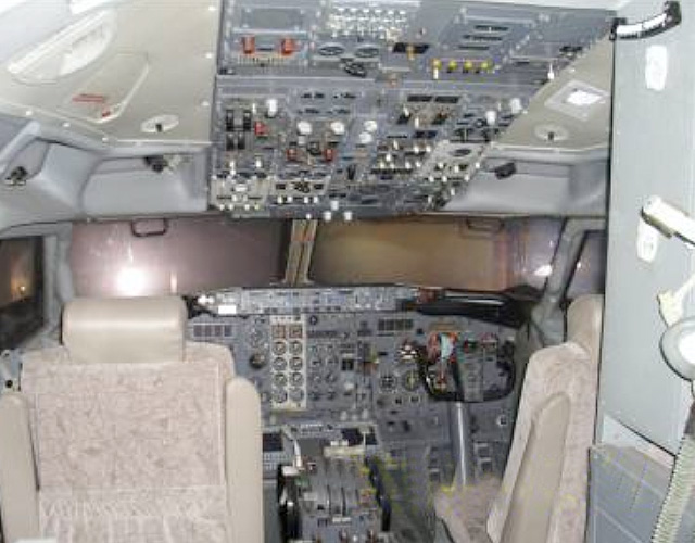 Boeing 737-200 FFS Cockpit View